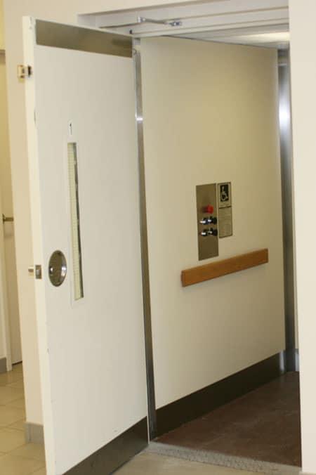 Commercial | Federal Elevator Canadian Manufacturer