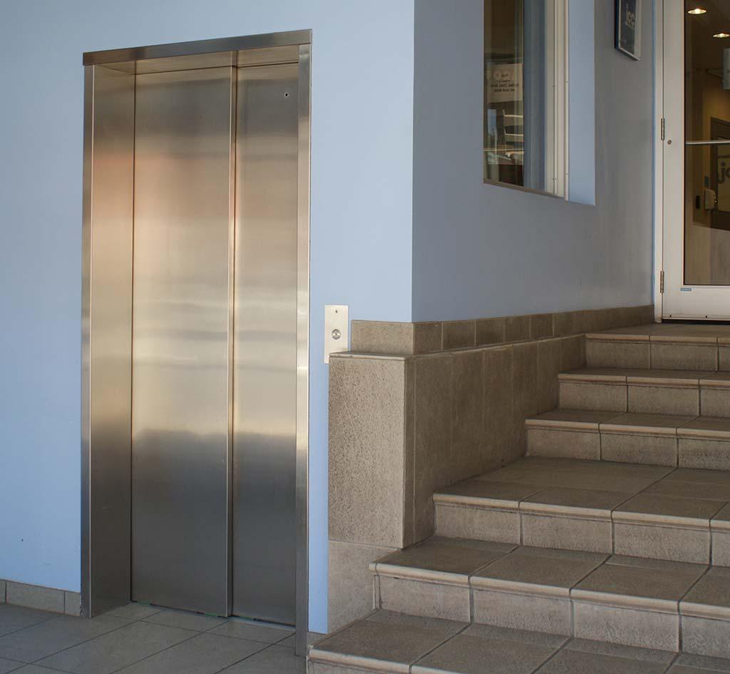 Commercial Elevator | Canadian Elevator Manufacturer | Federal Elevator mobile